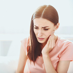 When Do You Need to Bring Up Ear Aches During One of Your Visits to Our Office?